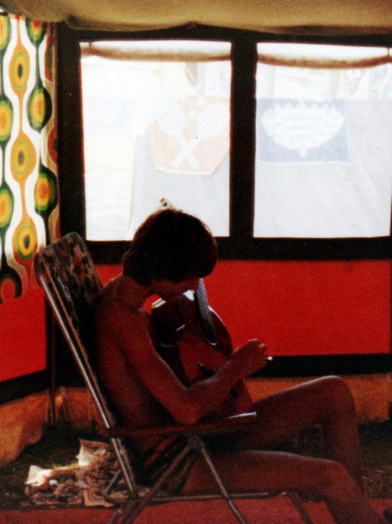 Harry mit Gitarre